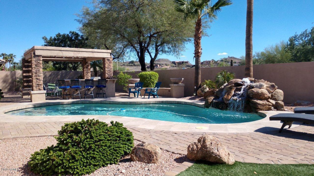 Photo of 1827 E SOUTH FORK Drive, Phoenix, AZ 85048