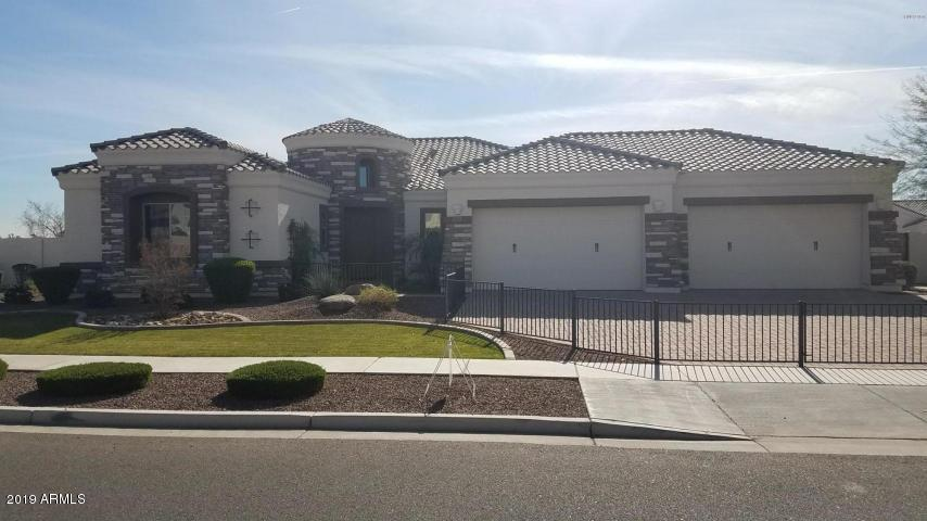Photo of 8357 W MISSOURI Avenue, Glendale, AZ 85305