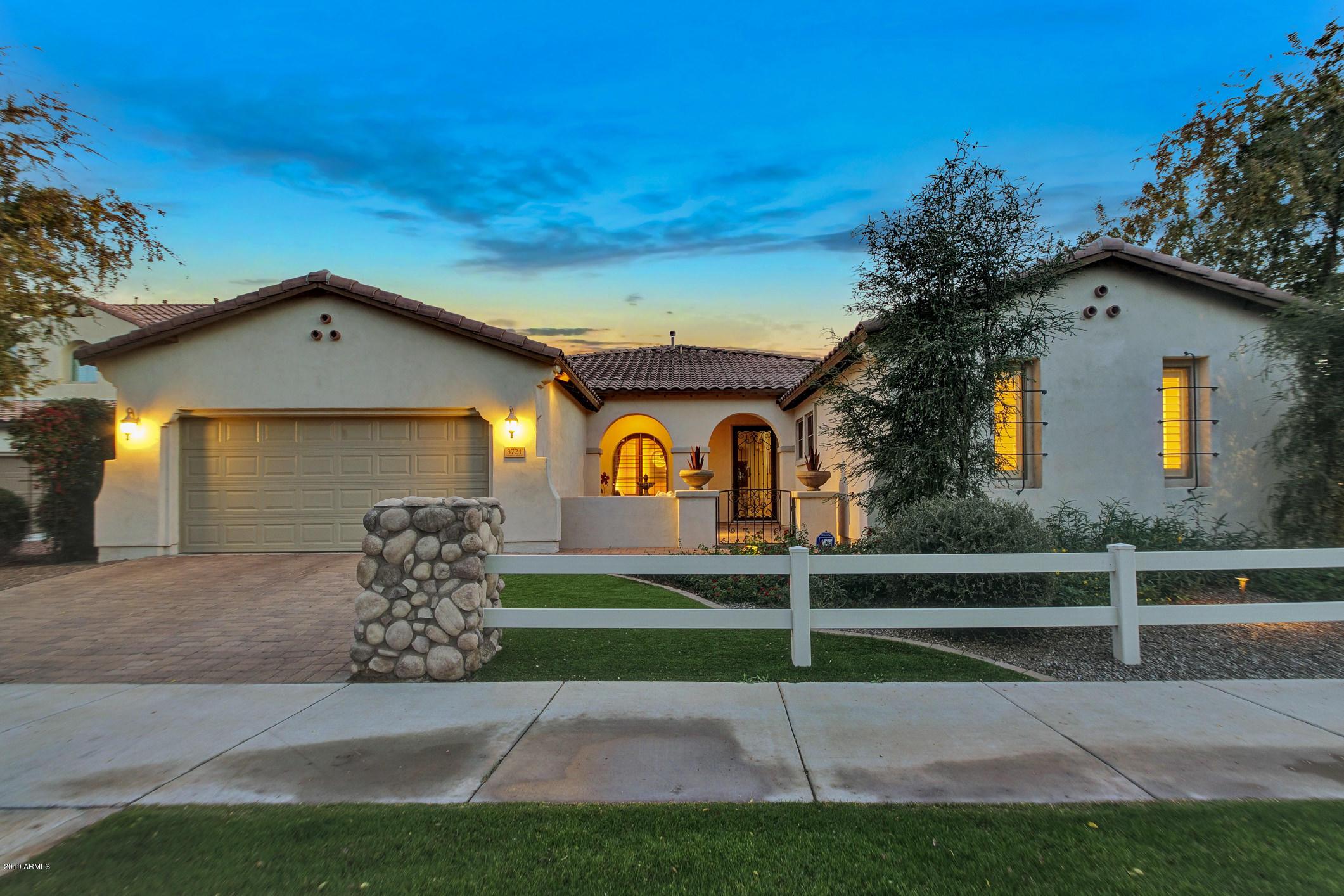 Photo of 3721 E OLD STONE Circle, Chandler, AZ 85249