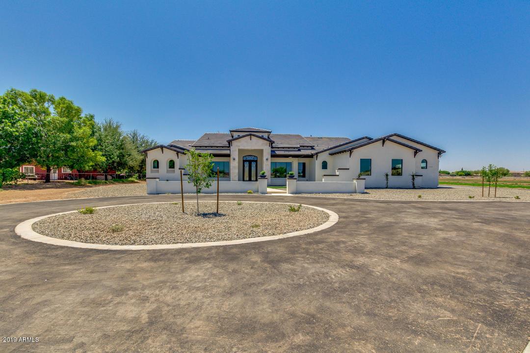 Photo of 17315 E STONE CREST Drive, Gilbert, AZ 85298