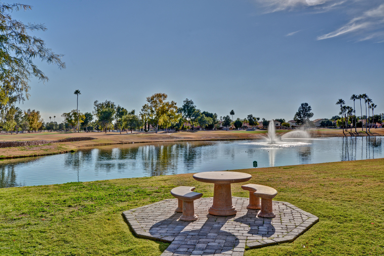 Photo of 7401 W ARROWHEAD CLUBHOUSE Drive #1032, Glendale, AZ 85308