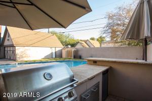 915 W Lynwood bbq, pool, garage