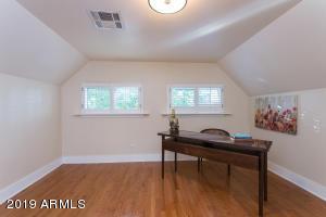915 W Lynwood bed 4