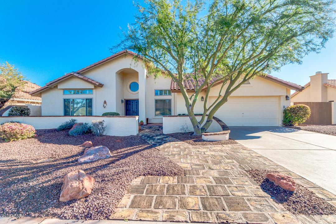 Photo of 9011 S DATELAND Drive, Tempe, AZ 85284