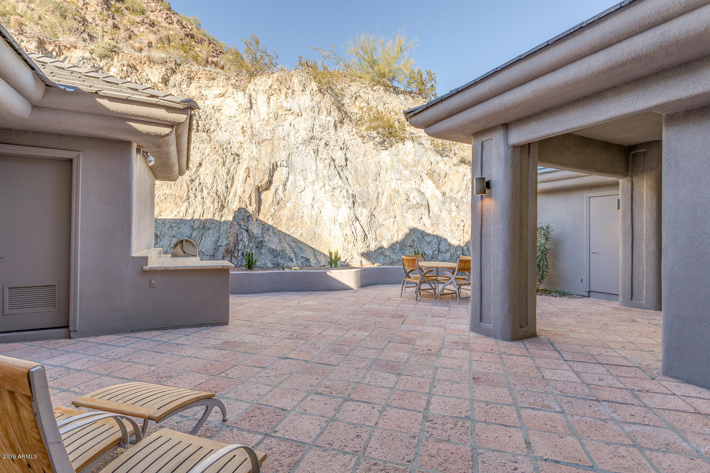 MLS 5866848 3500 E LINCOLN Drive Unit 44, Phoenix, AZ 85018 Phoenix AZ Three Bedroom