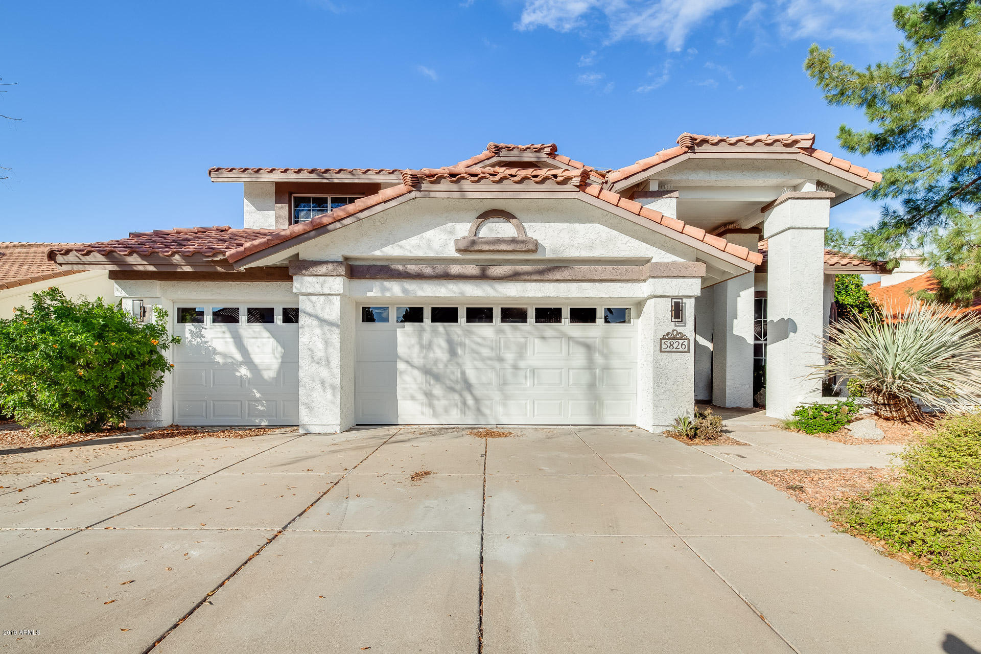 Photo of 5826 W DEL LAGO Circle, Glendale, AZ 85308