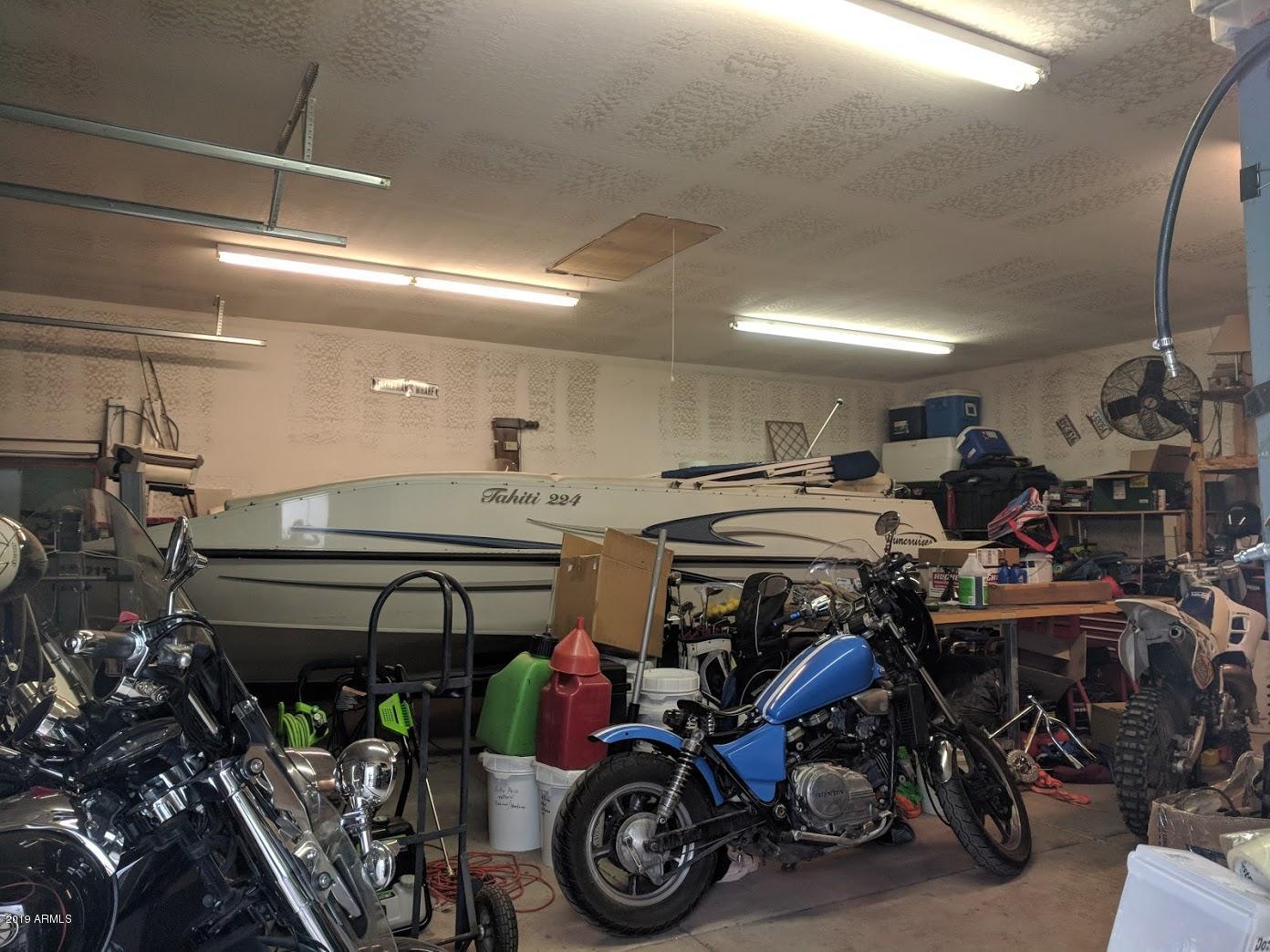 MLS 5866239 48002 N BLACK CANYON Highway, New River, AZ New River AZ Equestrian