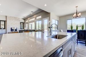 Kitchen-GR (2)