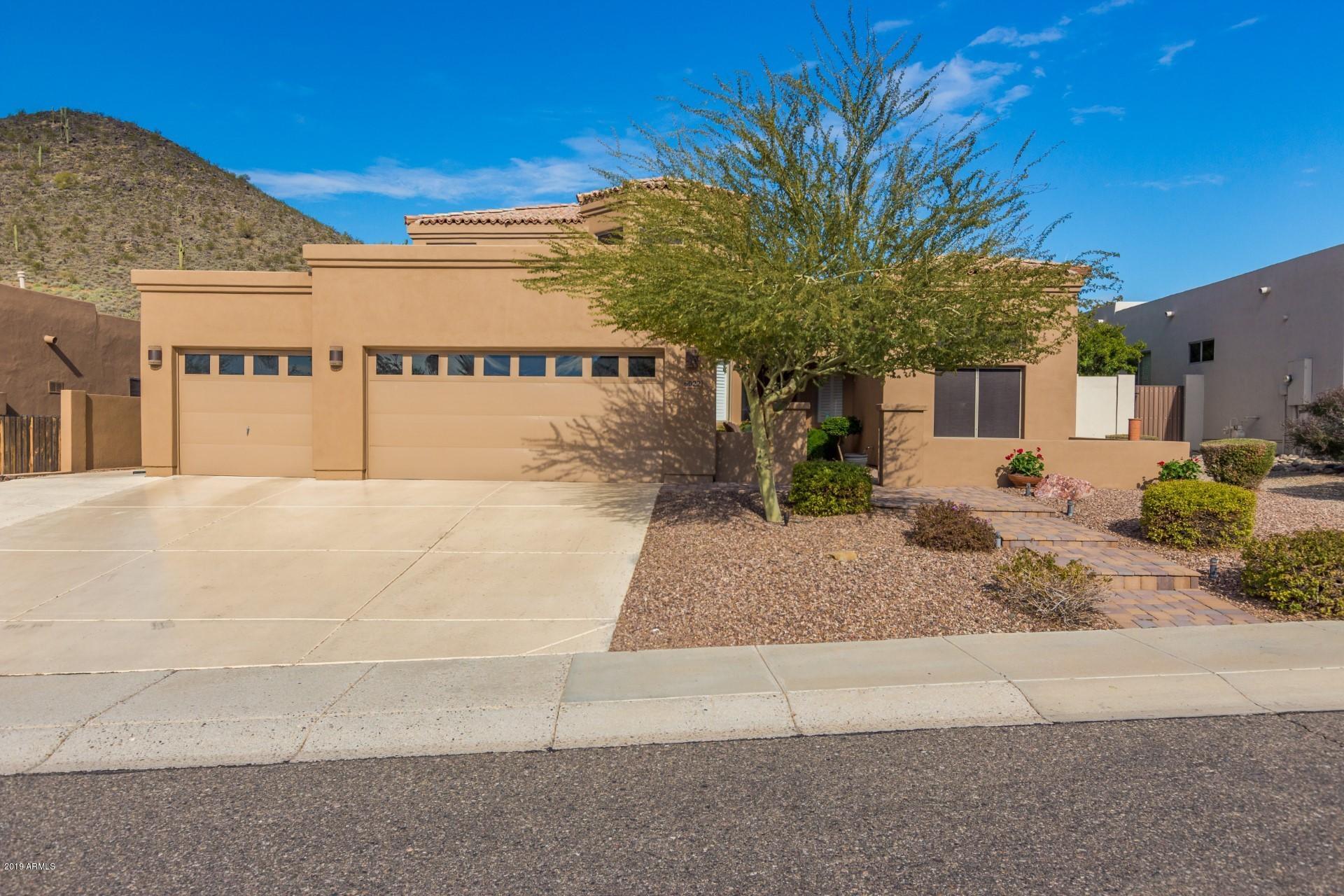 Photo of 6022 W ROBIN Lane W, Glendale, AZ 85310