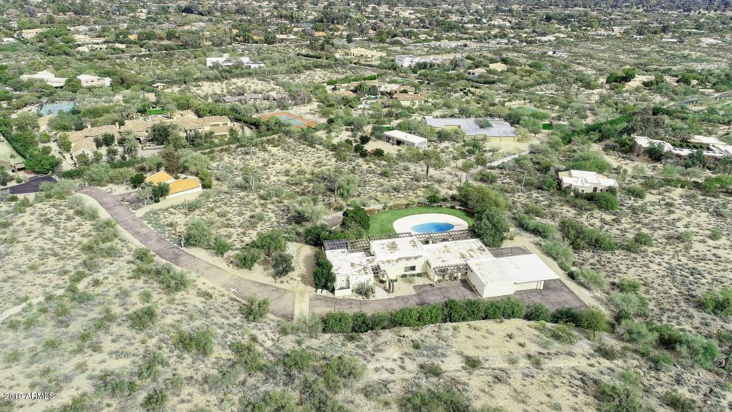MLS 5862987 8020 N MUMMY MOUNTAIN Road, Paradise Valley, AZ Paradise Valley AZ Equestrian