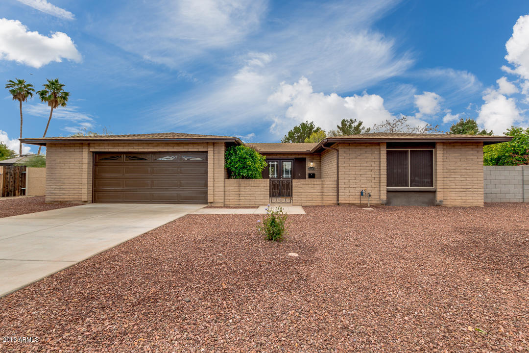Photo of 2325 W EL MORO Circle, Mesa, AZ 85202