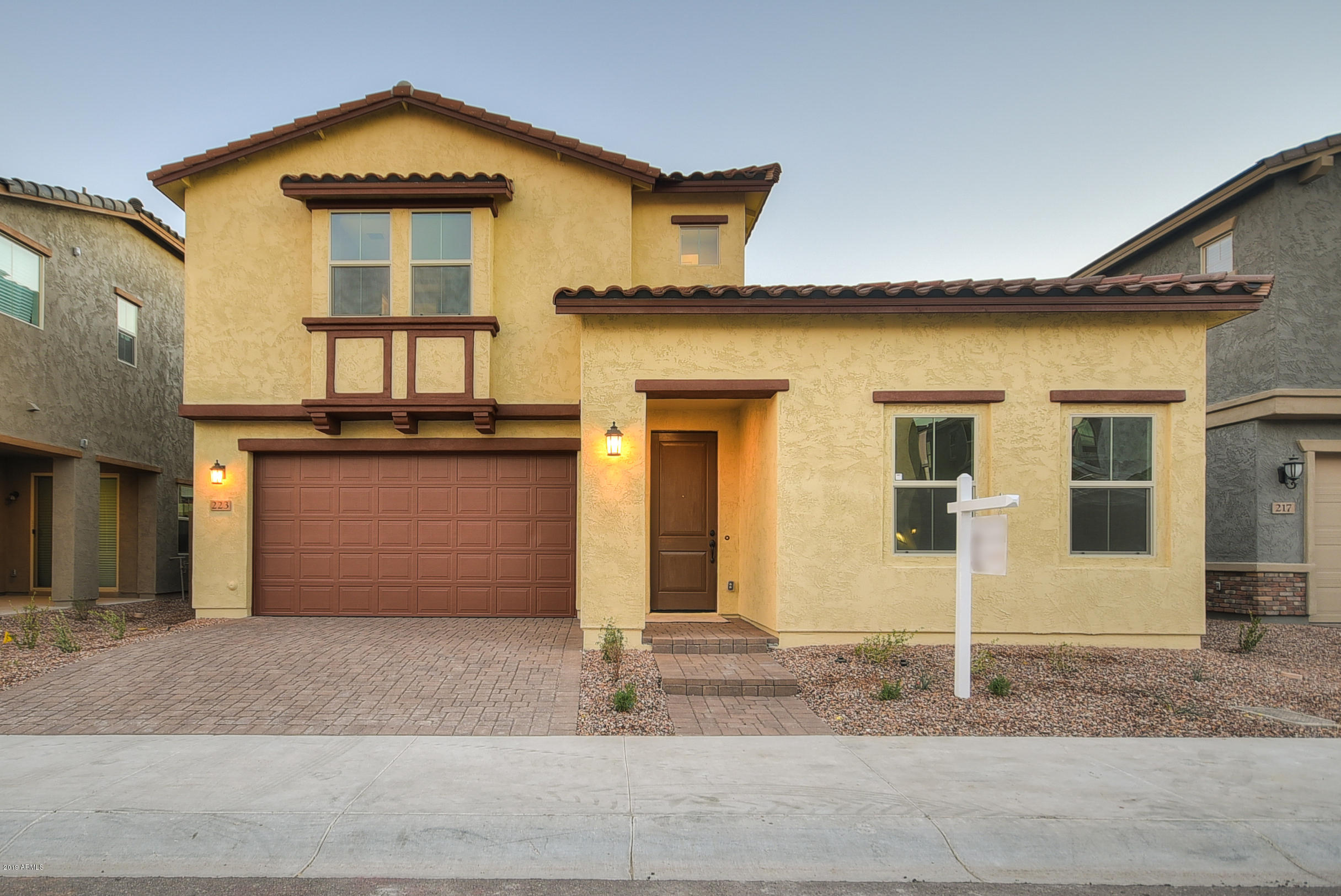 Photo of 223 E BRINLEY Drive, Tempe, AZ 85281