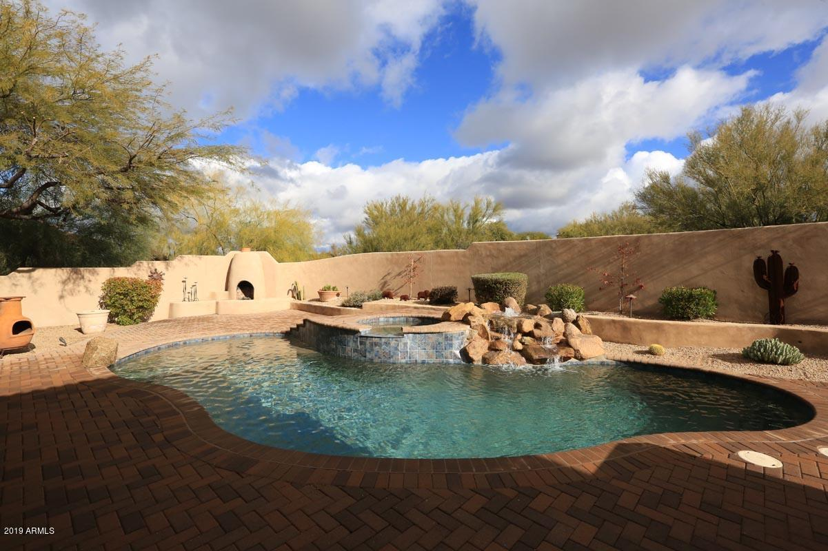 Photo of 10938 E SOUTHWIND Lane, Scottsdale, AZ 85262