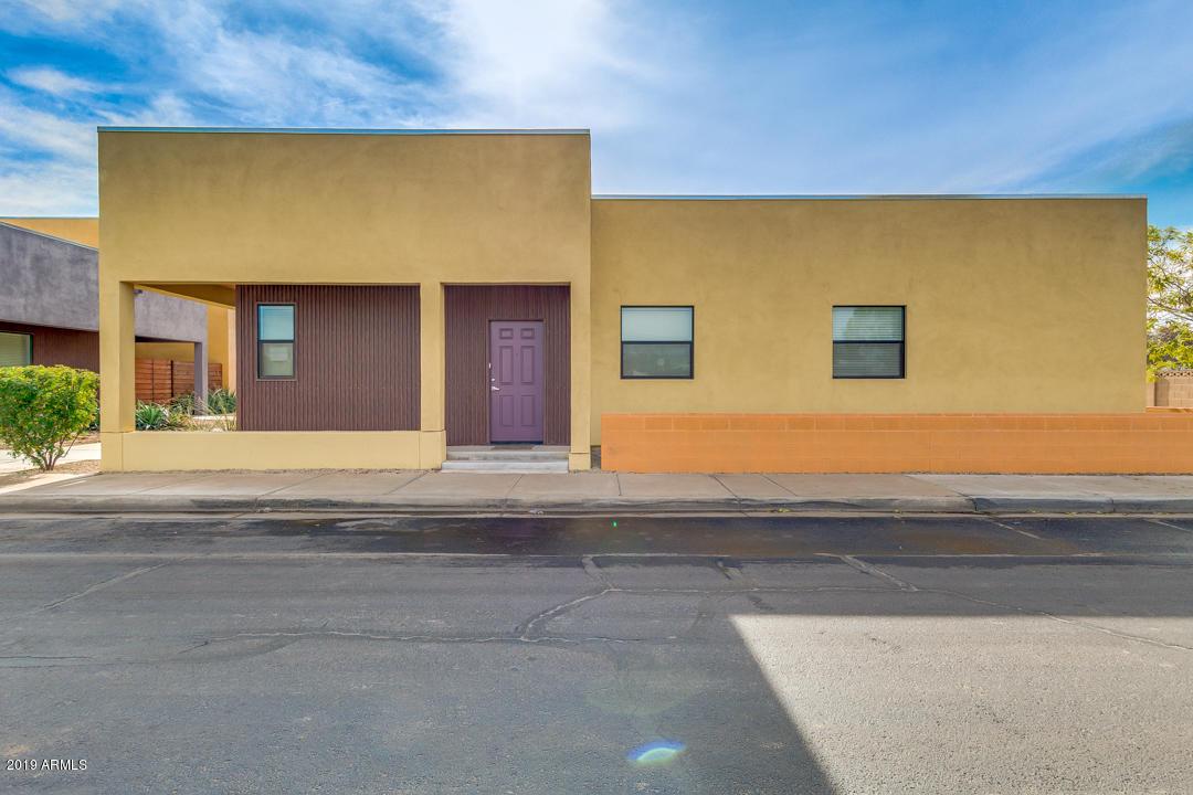Photo of 95 N 3RD Drive, Avondale, AZ 85323