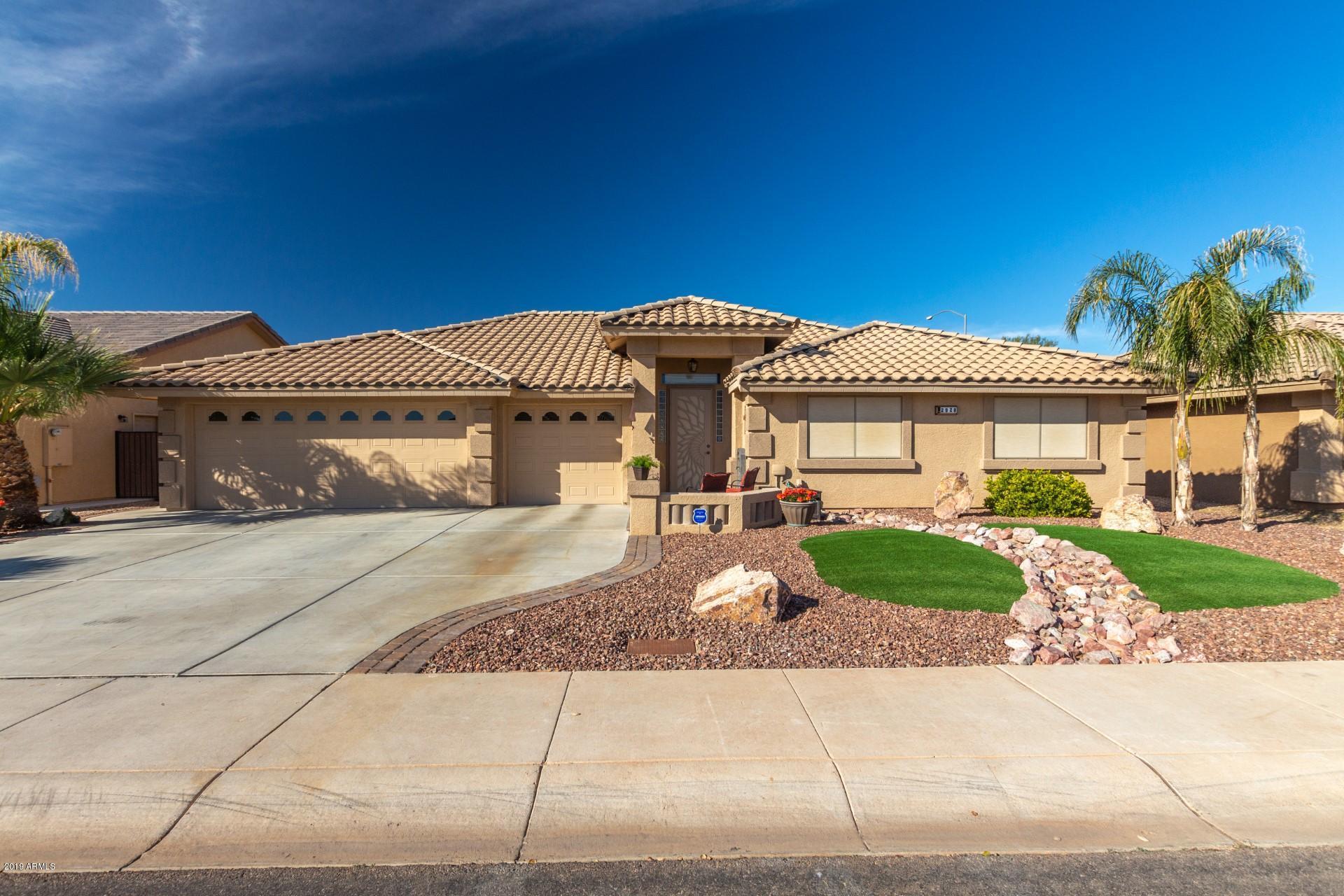 Photo of 2928 S OLIVEWOOD --, Mesa, AZ 85212