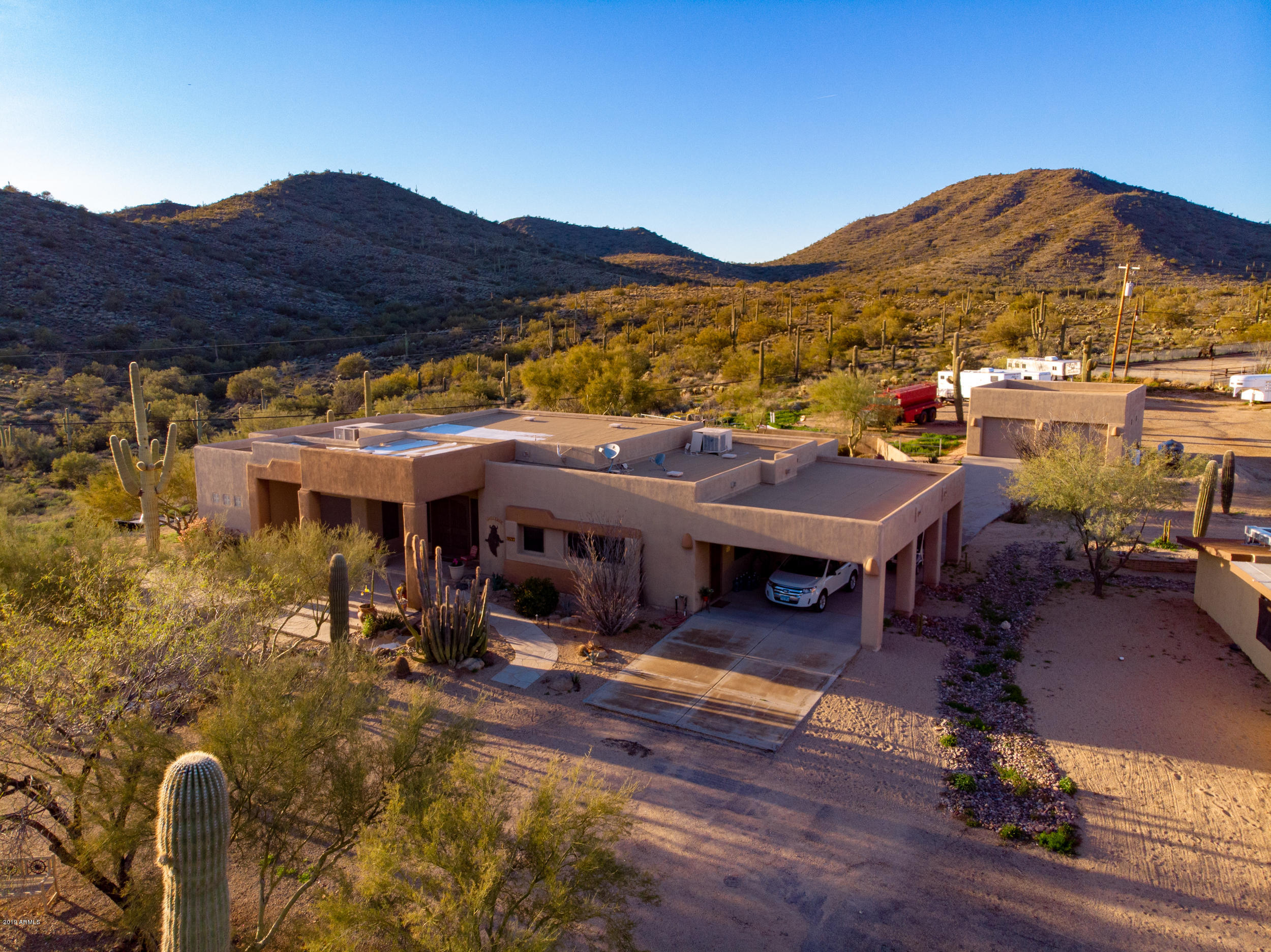 Photo of 2420 E DESERT HILLS Drive E, Cave Creek, AZ 85331