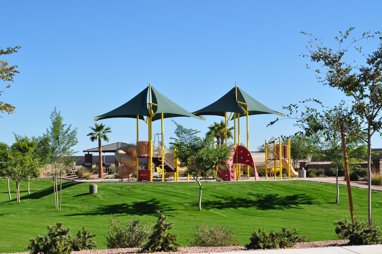 MLS 5871006 1410 W Spine Tree Avenue, Queen Creek, AZ Queen Creek AZ Golf Newly Built