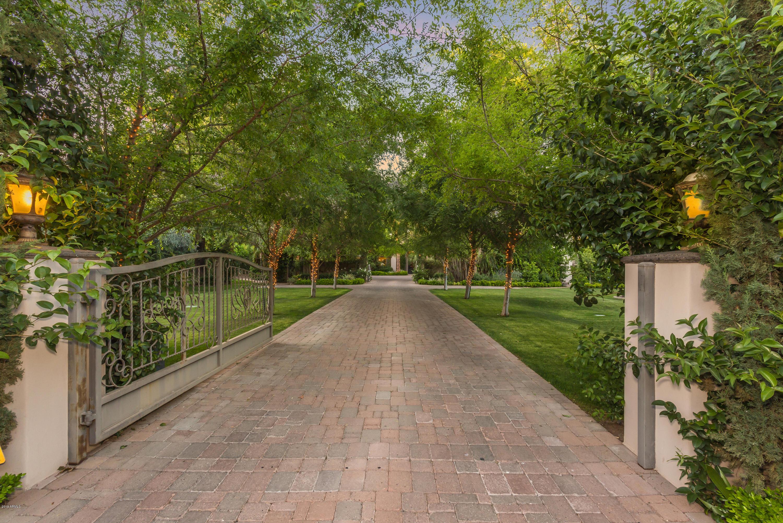 Photo of 6730 E EXETER Boulevard, Scottsdale, AZ 85251