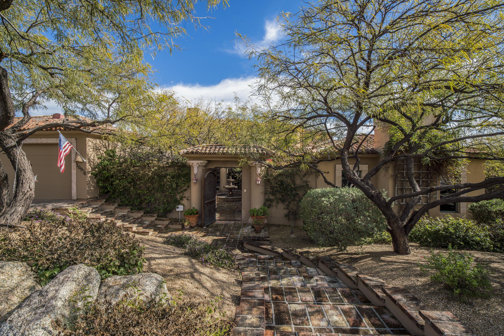 Photo of 10978 E SOUTHWIND Lane, Scottsdale, AZ 85262