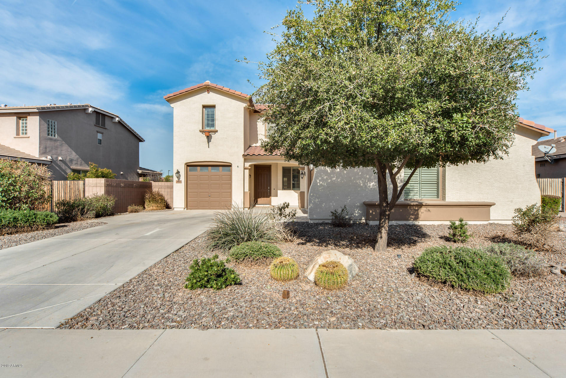 Photo of 662 W SAN CARLOS Way, Chandler, AZ 85248