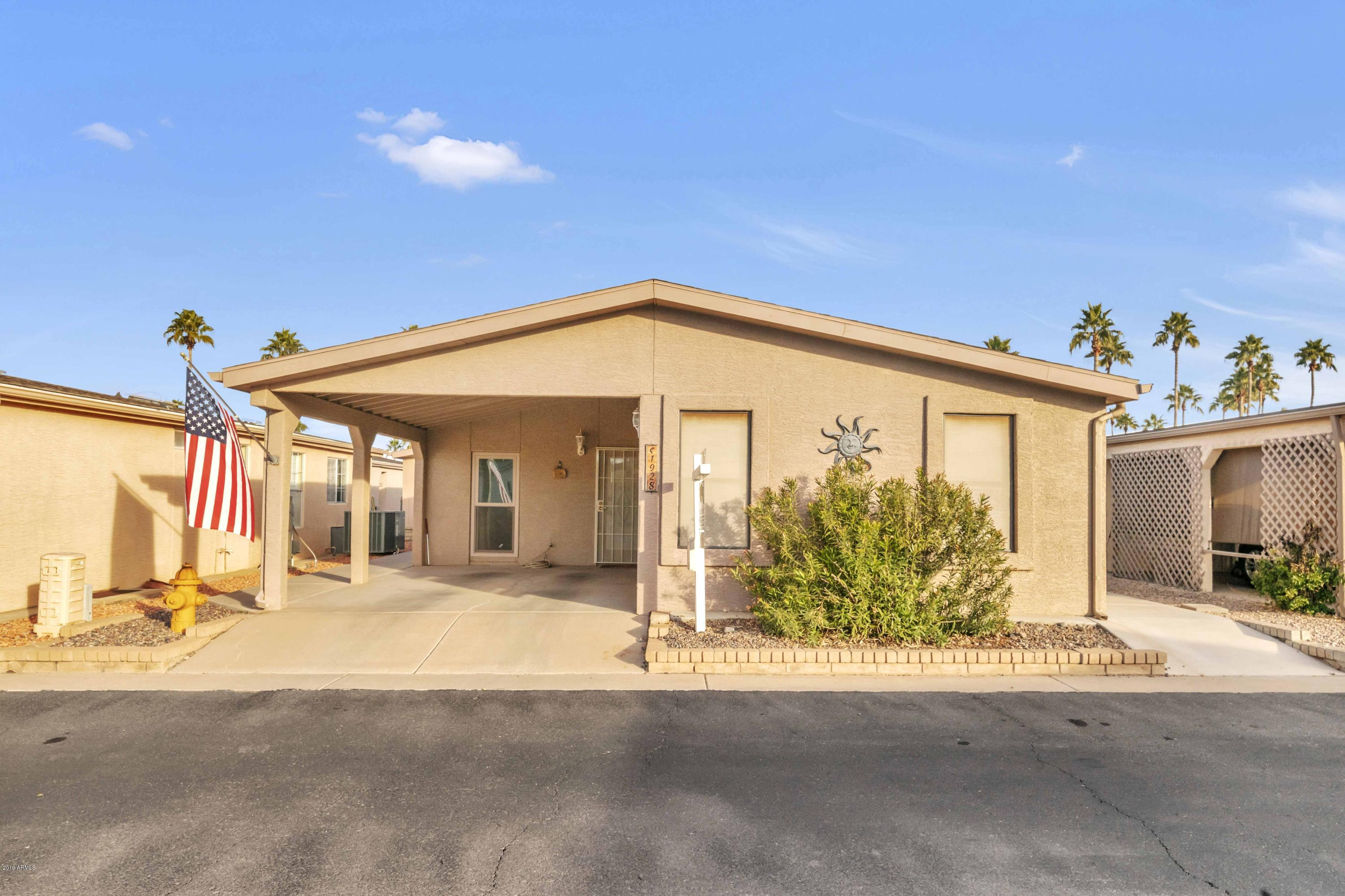 Photo of 1928 E BELLERIVE Drive, Chandler, AZ 85249