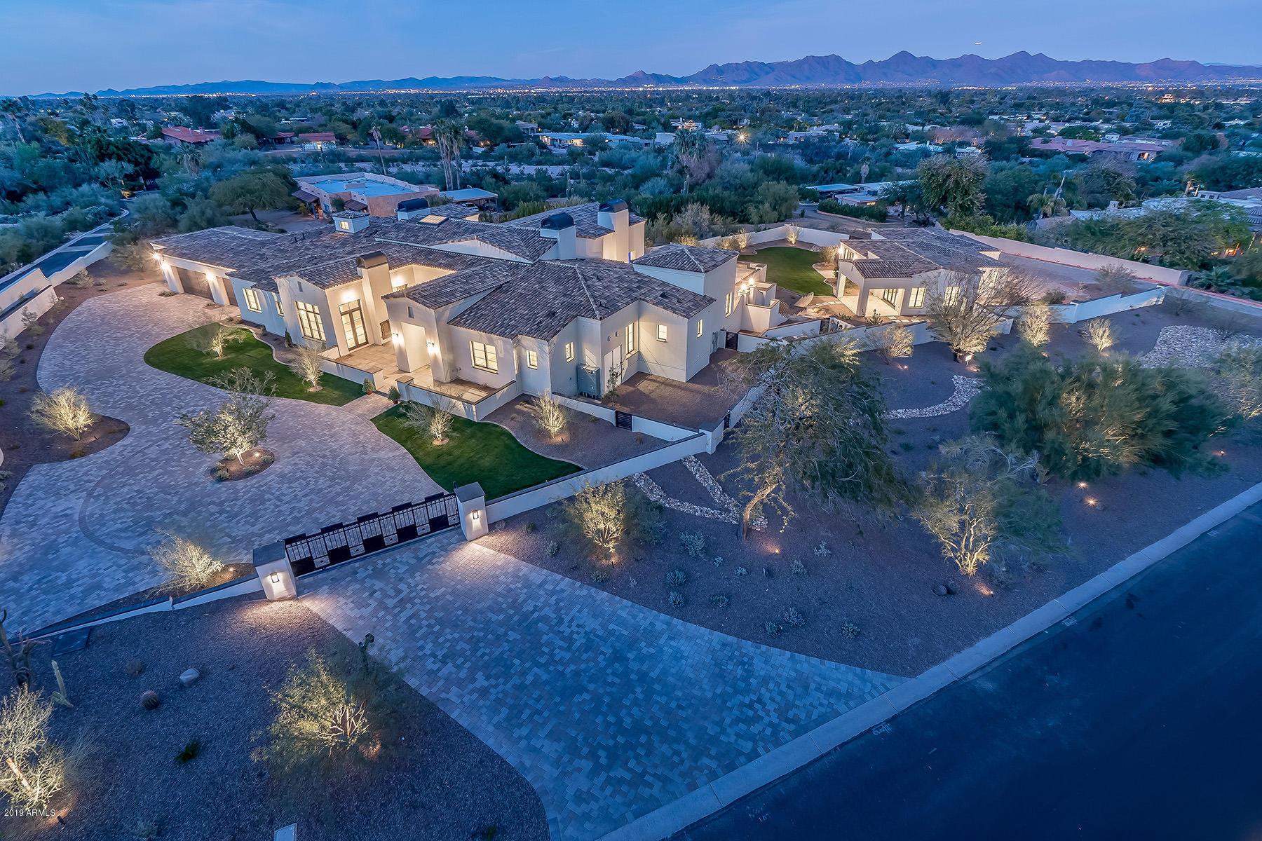 Photo of 6430 E HUMMINGBIRD Lane, Paradise Valley, AZ 85253