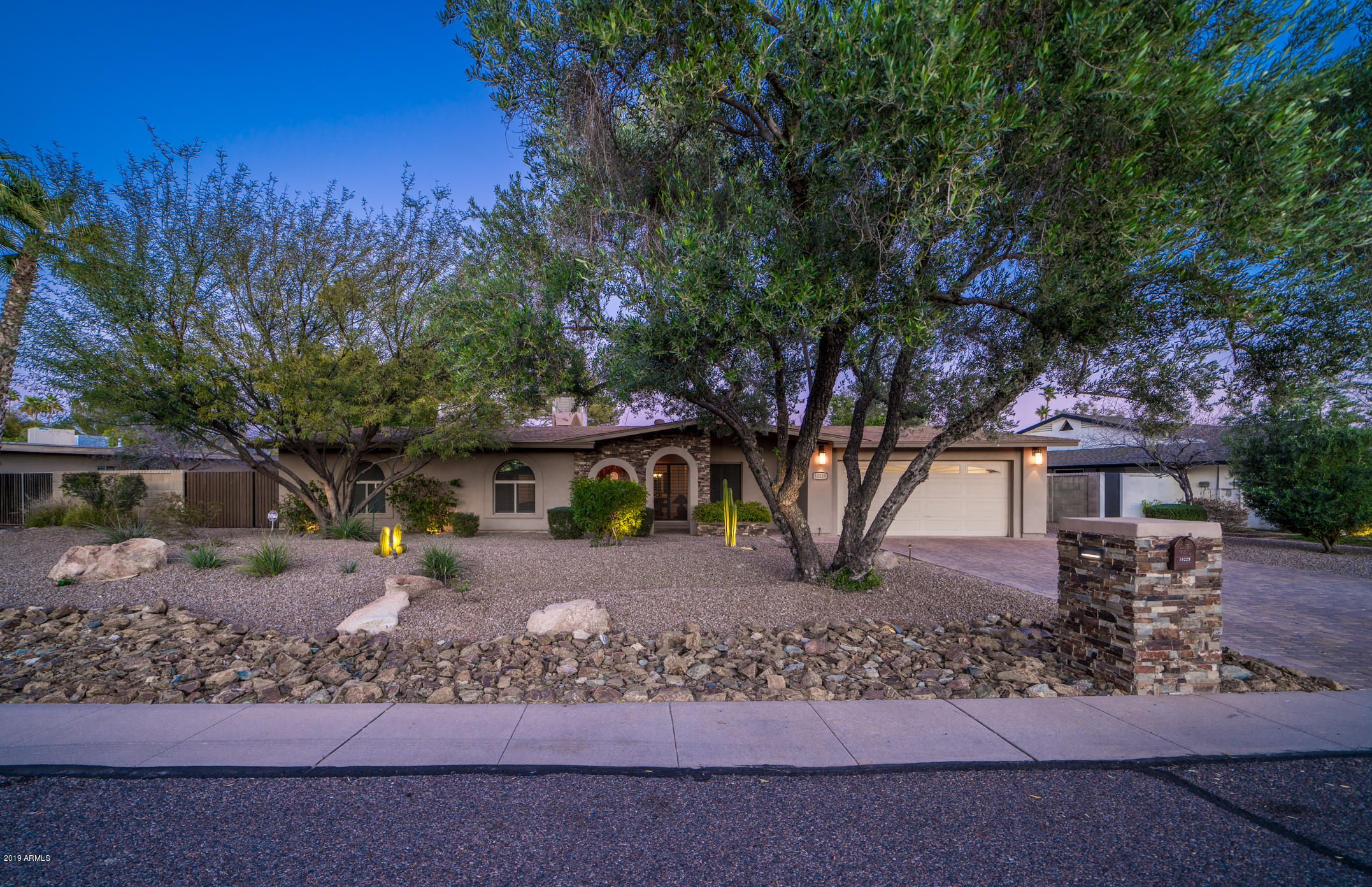 Photo of 10229 N 58TH Place, Paradise Valley, AZ 85253