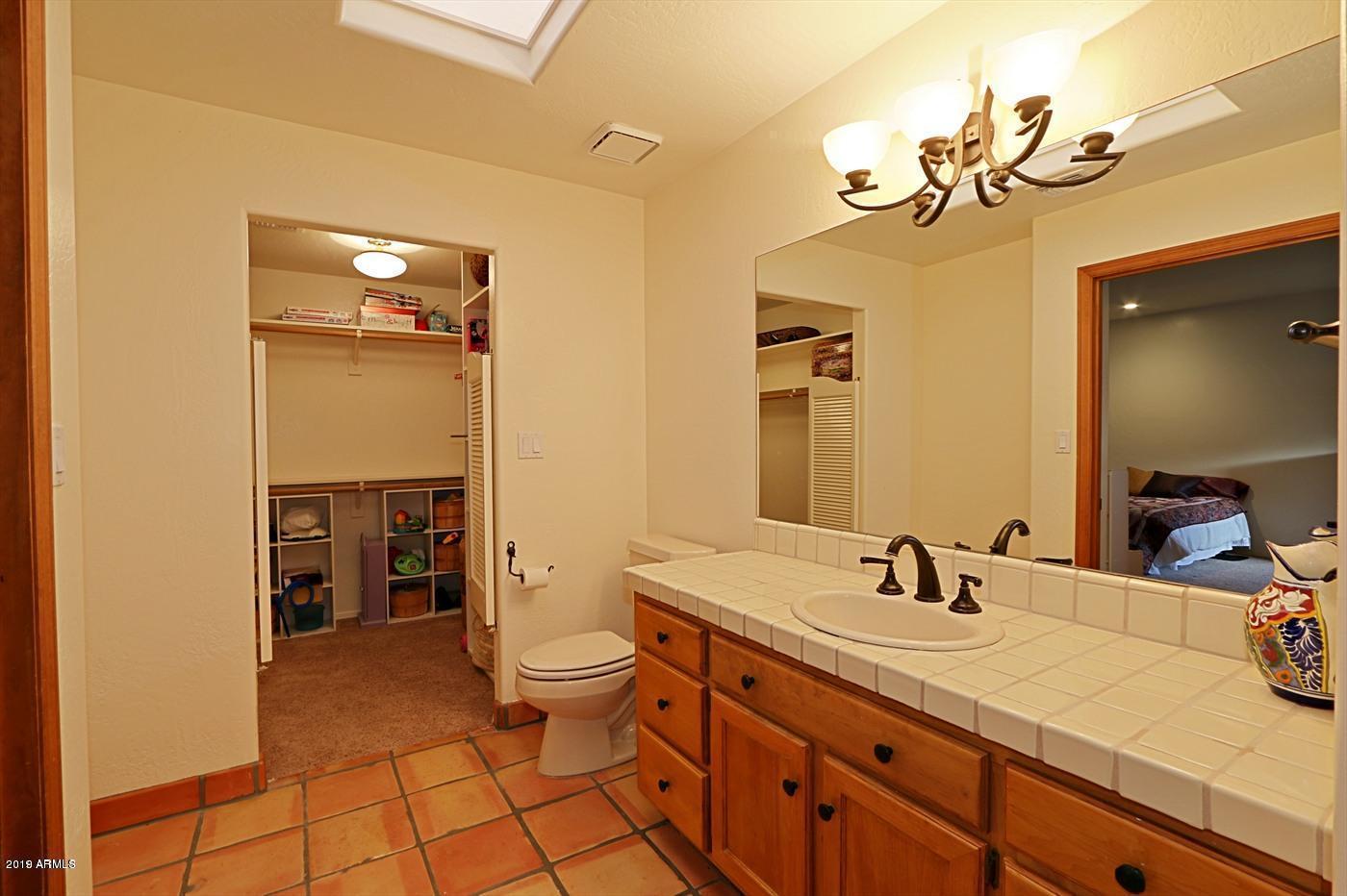 MLS 5872875 6460 E Maverick Road, Paradise Valley, AZ Paradise Valley AZ Golf Guest House