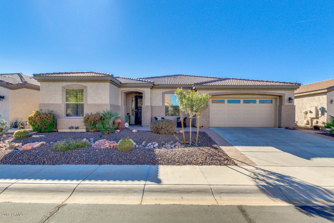 Photo of 4219 E NIGHTINGALE Lane, Gilbert, AZ 85298
