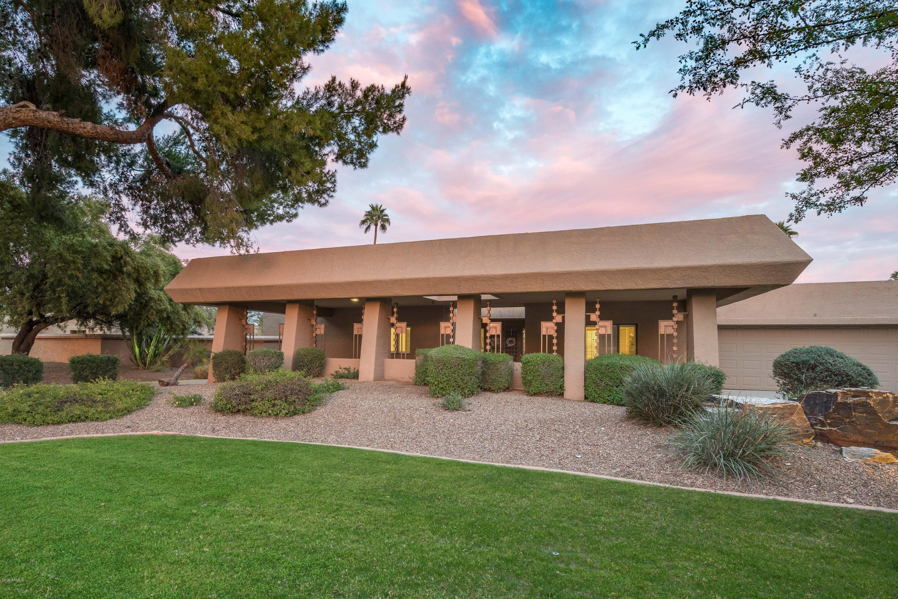Photo of 9853 N 48TH Place, Paradise Valley, AZ 85253