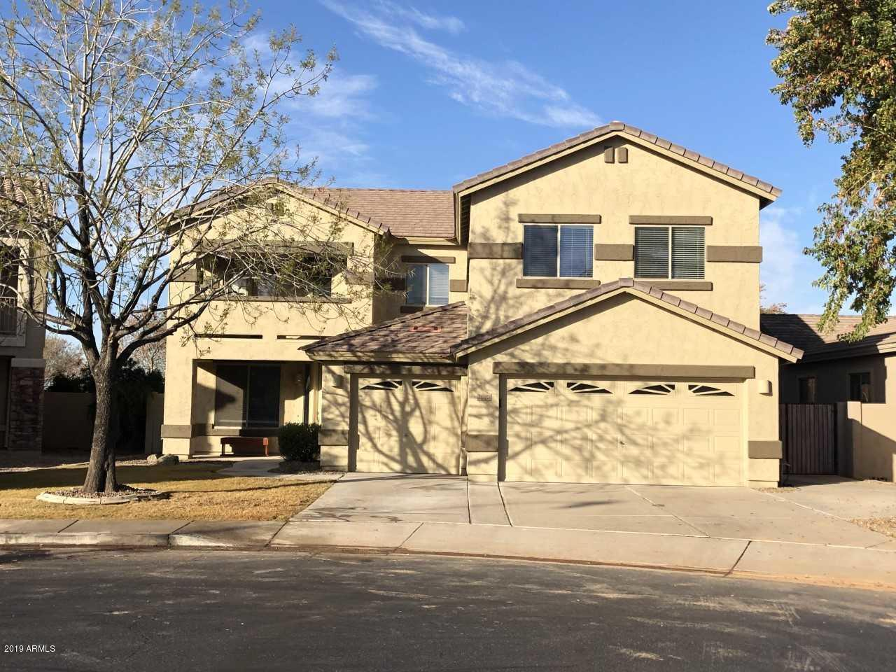 Photo of 2070 S HOLGUIN Place, Chandler, AZ 85286