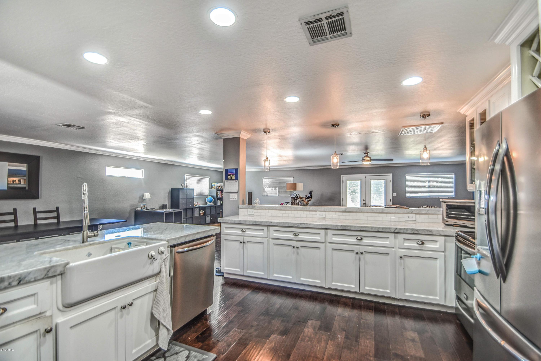 Photo of 4330 E DEVONSHIRE Avenue, Phoenix, AZ 85018