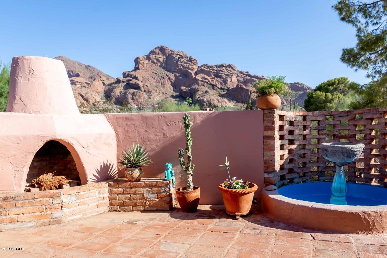 Photo of 4902 E Valley Vista Lane, Paradise Valley, AZ 85253