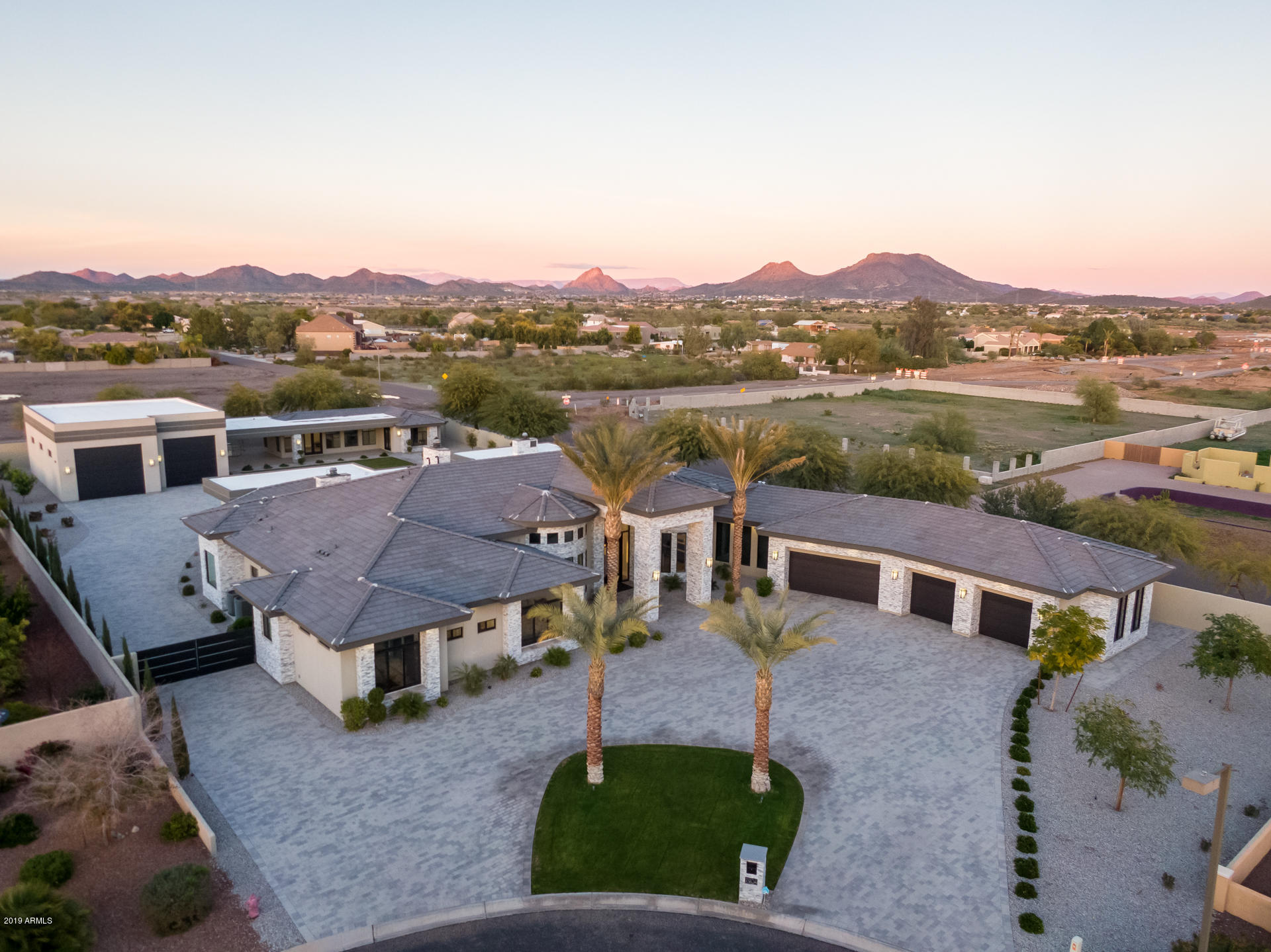 Photo of 7904 W EXPEDITION Way, Peoria, AZ 85383