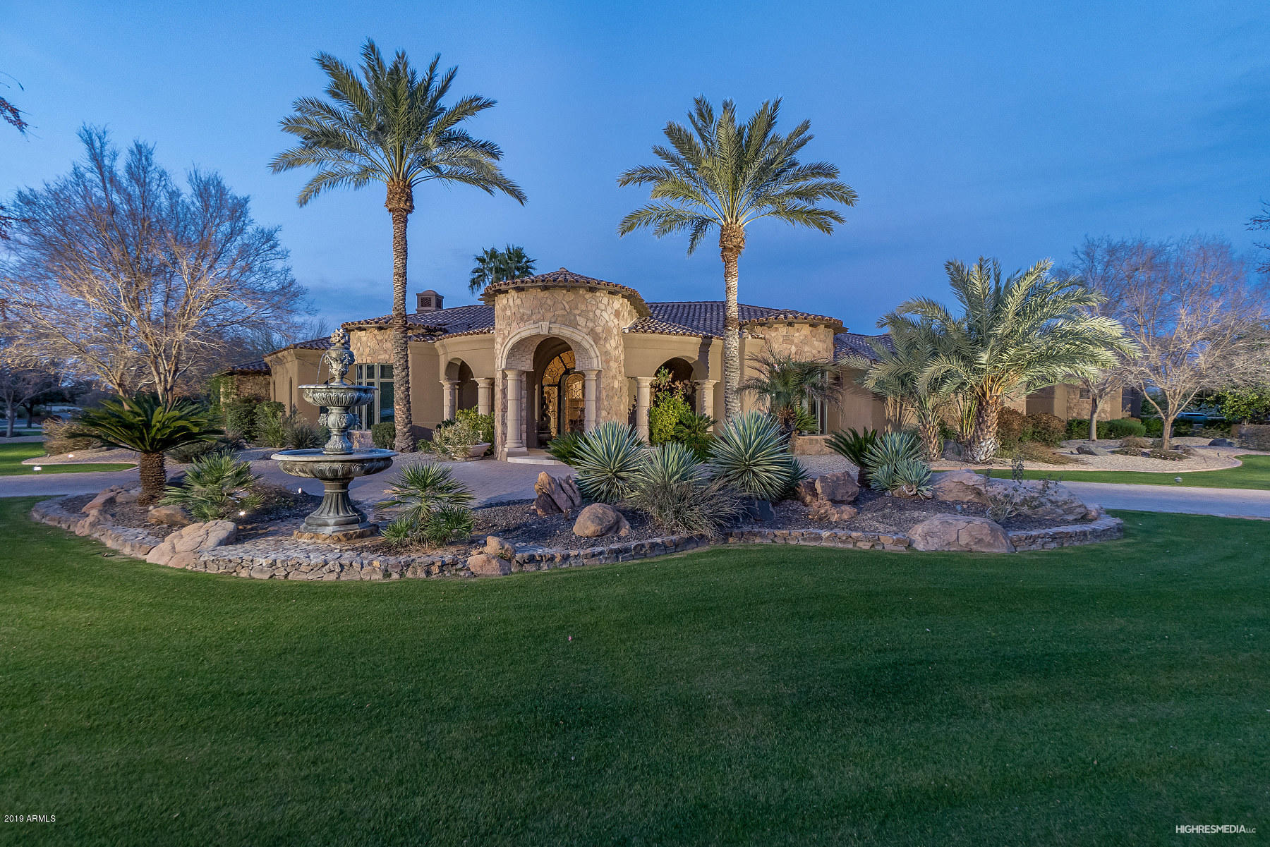 Photo of 6615 N 66TH Place, Paradise Valley, AZ 85253