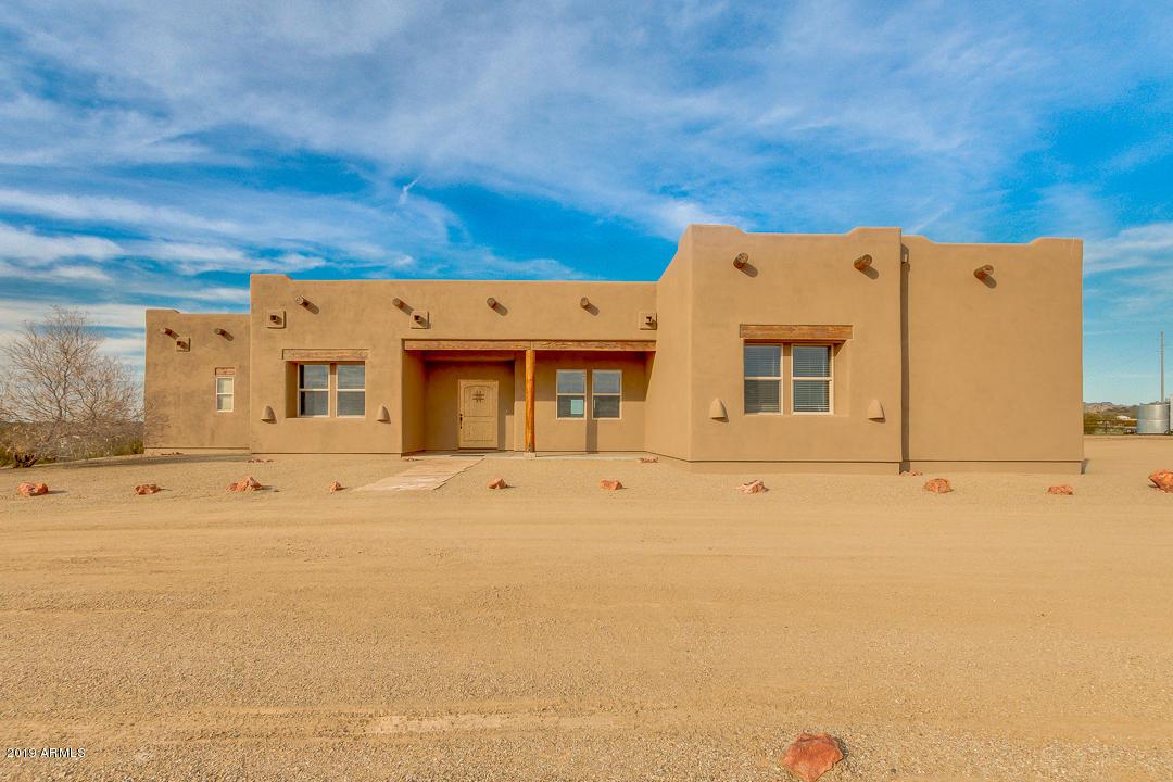 Photo of 42704 N CASTLE HOT SPRINGS Road, Morristown, AZ 85342