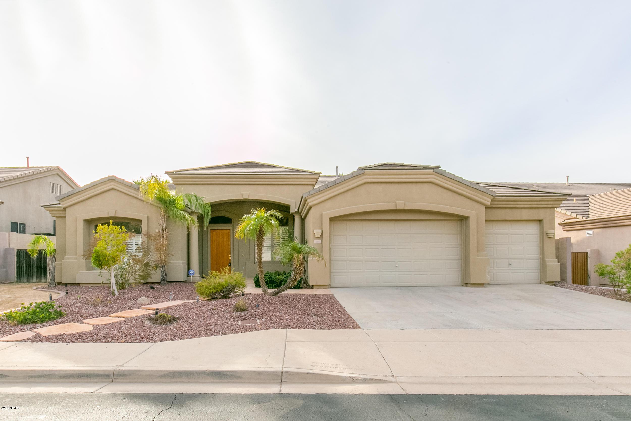 Photo of 401 W Desert Flower Lane, Phoenix, AZ 85045