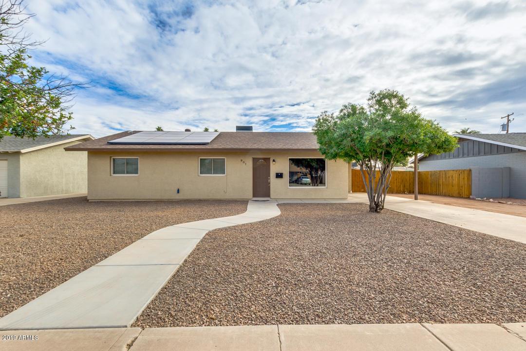 Photo of 901 N EVERGREEN Street, Chandler, AZ 85225