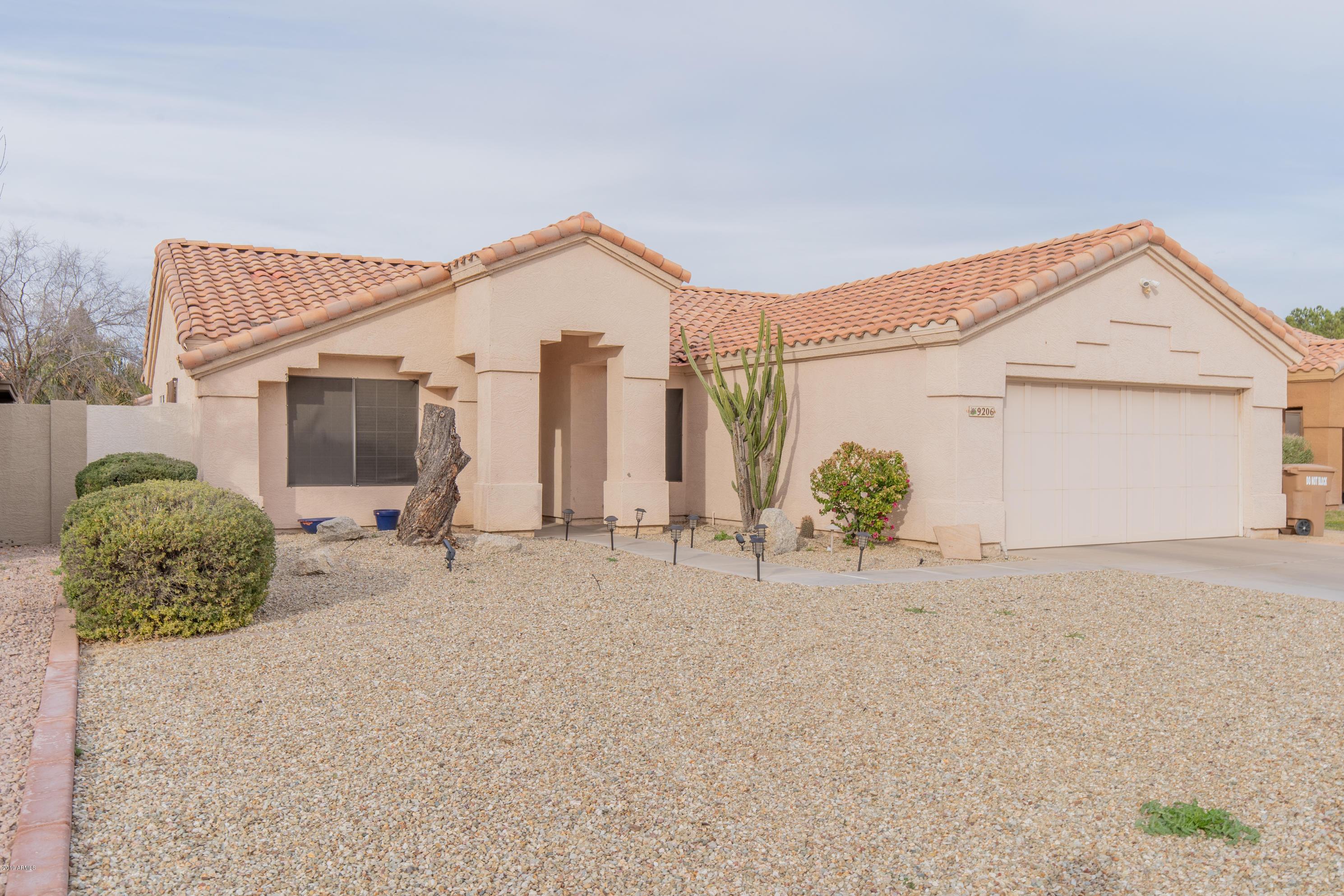 Photo of 9206 W SAINT JOHN Road, Peoria, AZ 85382