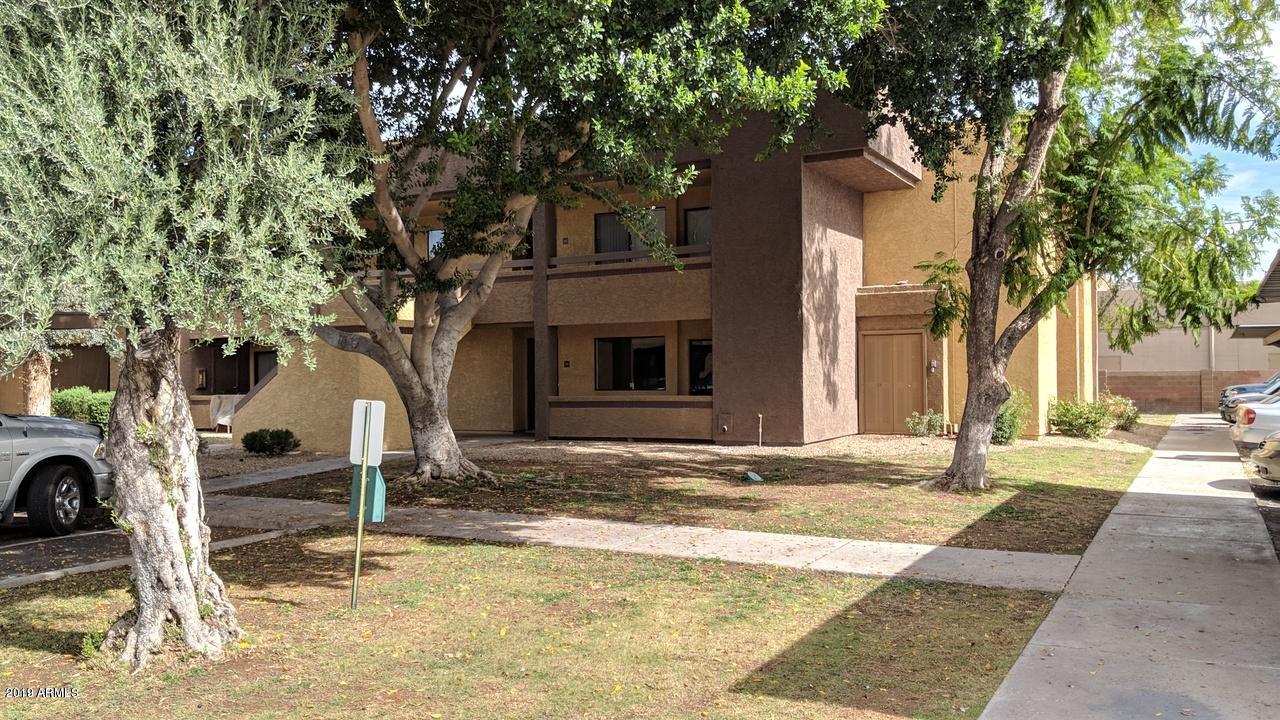 Photo of 3535 W TIERRA BUENA Lane #162, Phoenix, AZ 85053