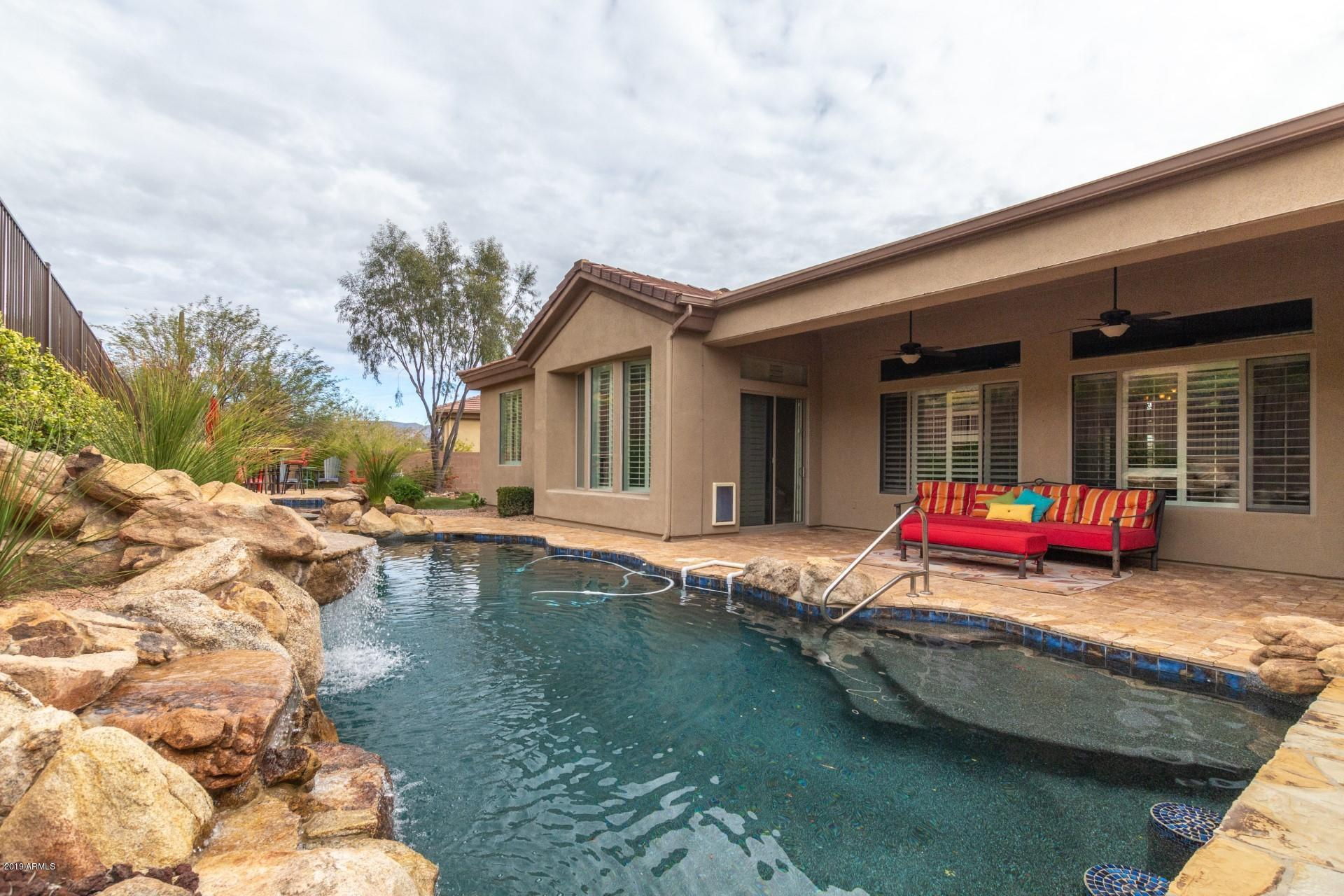 42114 N MOUNTAIN COVE Drive, Anthem, Arizona