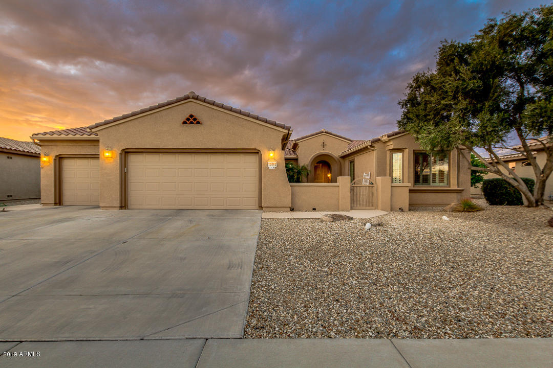 Photo of 19452 N ECHO RIM Drive, Surprise, AZ 85387