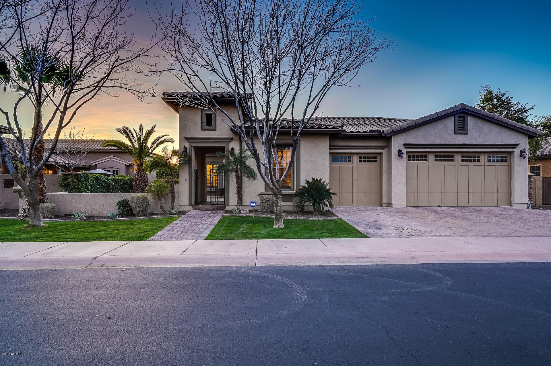 Photo of 7654 S LA CORTA Drive, Tempe, AZ 85284