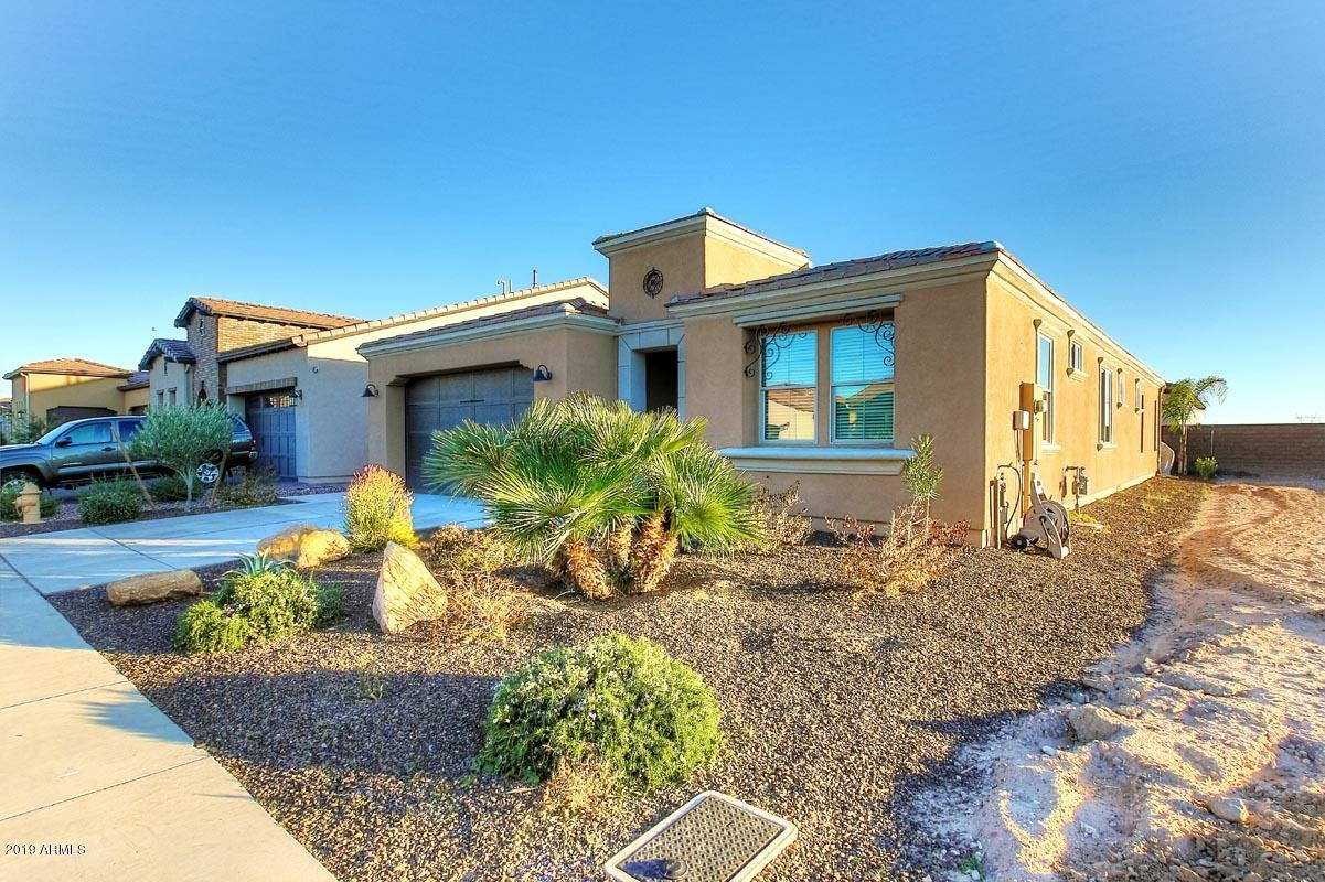 Photo of 57 E CAMELLIA Way, San Tan Valley, AZ 85140