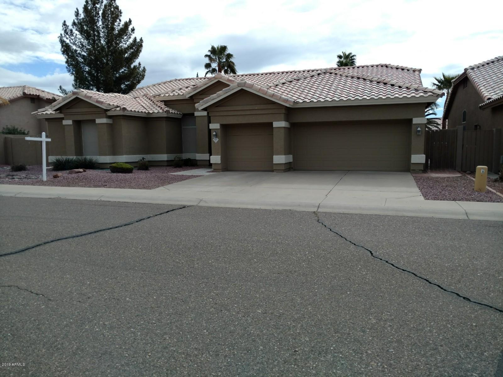 Photo of 6321 W LOUISE Drive, Glendale, AZ 85310