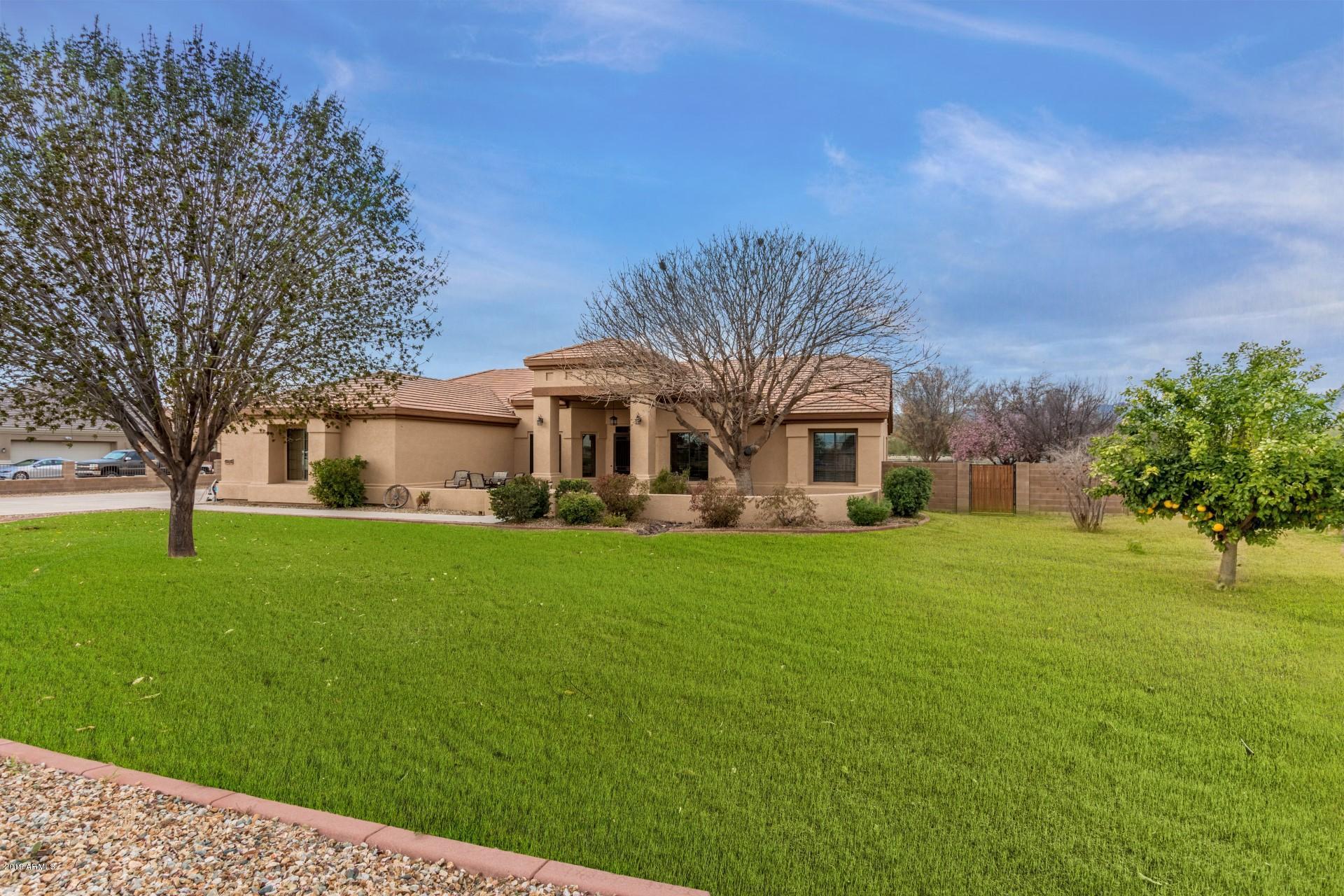 Photo of 4924 N 190TH Drive, Litchfield Park, AZ 85340