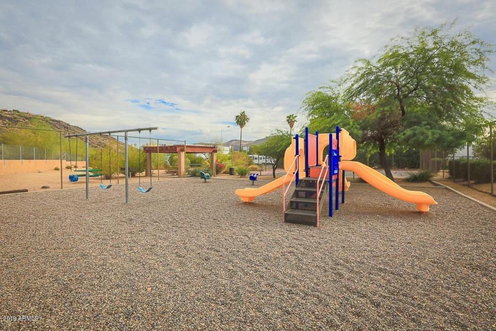 MLS 5878270 14203 N 19th Avenue Unit 1027, Phoenix, AZ Phoenix AZ Scenic