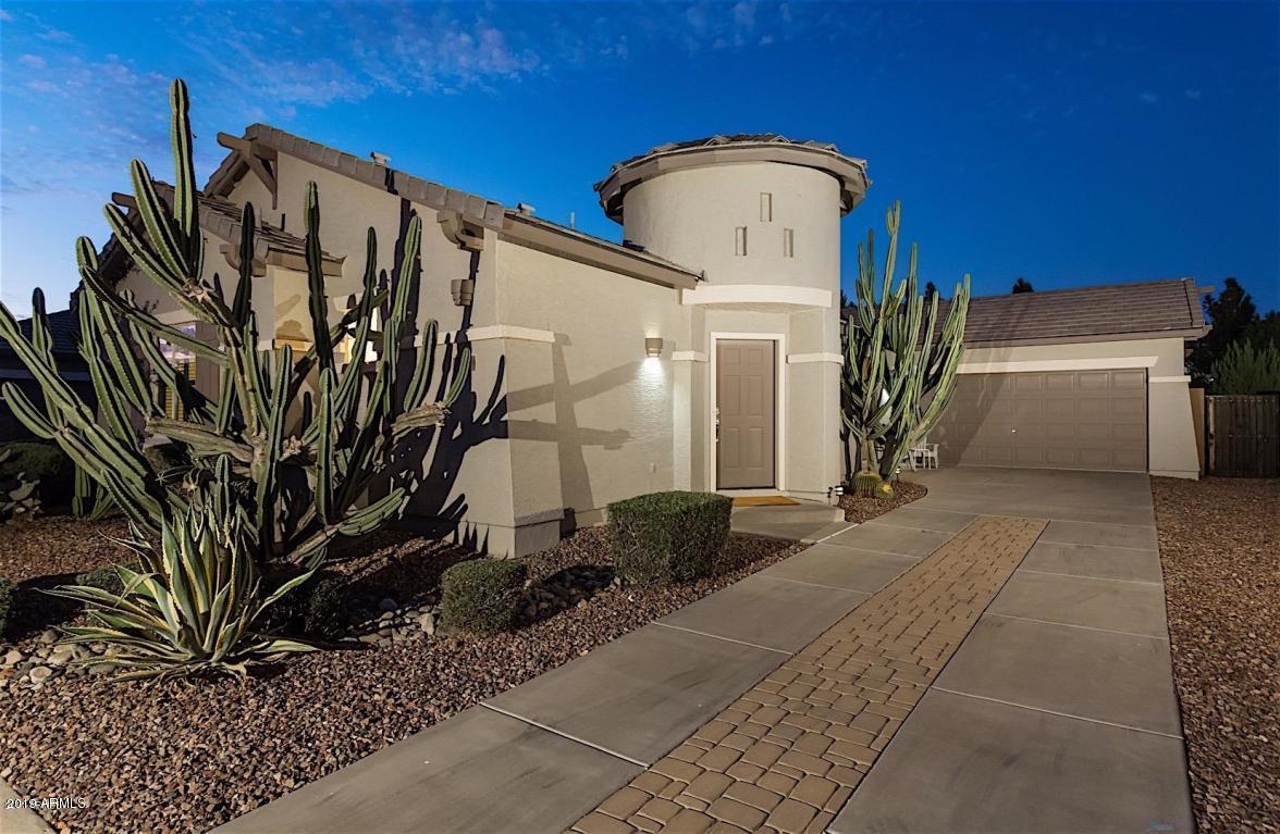 Photo of 964 E CHERRY HILLS Drive, Chandler, AZ 85249