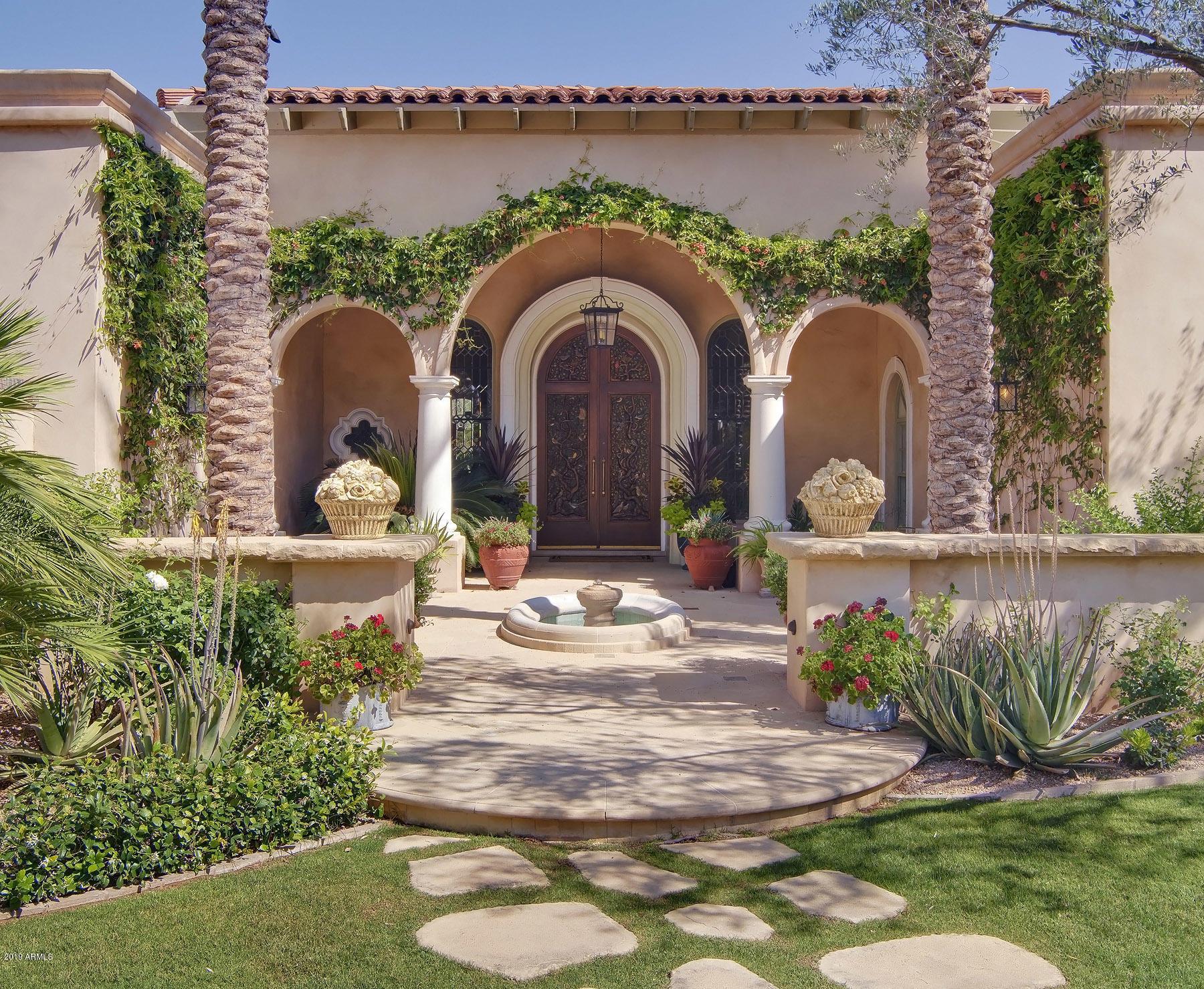 Photo of 8512 N GOLF Drive, Paradise Valley, AZ 85253