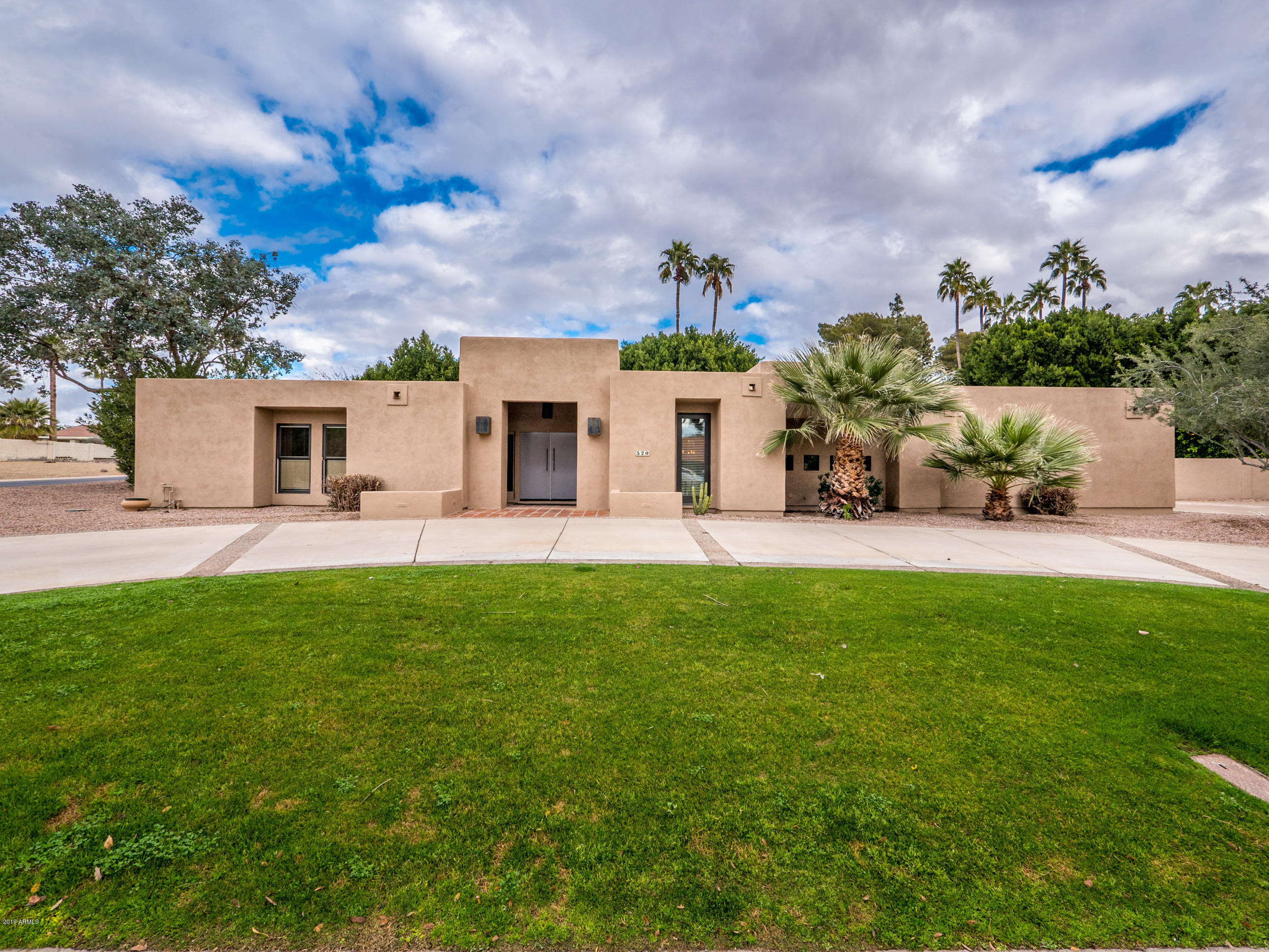 Photo of 520 E CERCADO Lane, Litchfield Park, AZ 85340